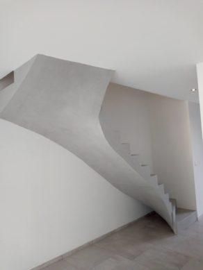 paillasse d'un escalier en béton ciré