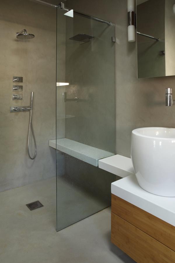 Salle de bain : mur et sol gris perle | Scal\'in Béton ciré