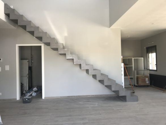 Sublime Escalier Cremaillere D Un Salon En Beton Cire