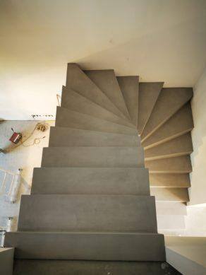 Arrivée d'un escalier deux quart tournant