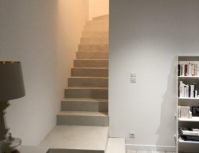 Couleur corde pour ce béton ciré sur l'escalier