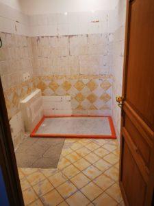 prix-béton-ciré-dans-une-douche-en-carrelage