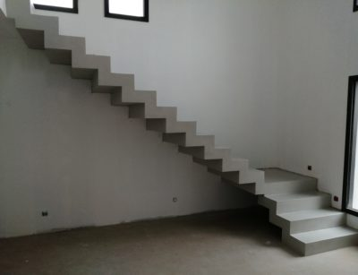 Beton ciré à Orange dans une maison contemporaine